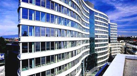 Fassade bürogebäude  Vogelabwehrlösungen für Bürogebäude mit hochwertige Fassaden